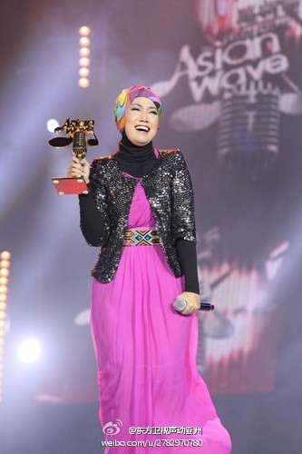 Malaysia's Very Own Sheila Amzah Wins China's Asian Wave 2012!